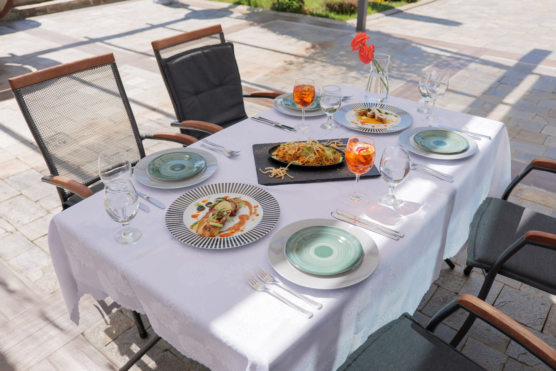 Испански ресторант CAVA