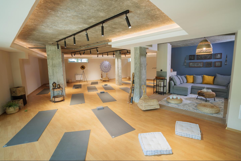 Local Zen йога зала